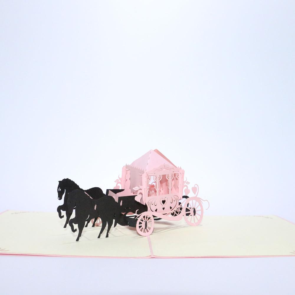 3D-Grußkarte mit Pop-up-Kutsche