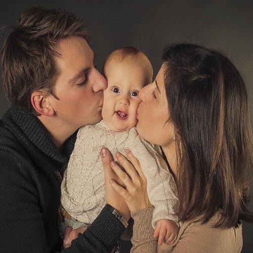 Book de fotos infantil con familia en estudio - Barcelona