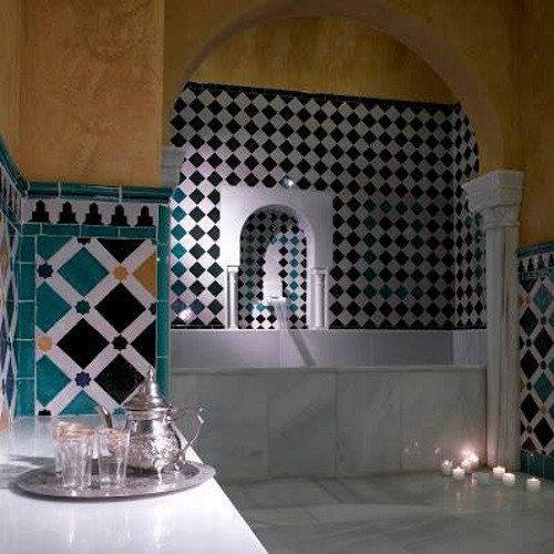 Circuito Árabe, masaje y cena romántica - Granada