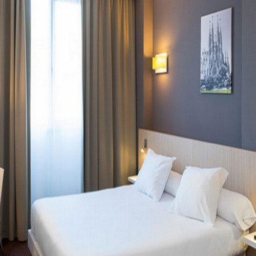 Conducción con coche a elegir + Noche de Hotel *** - Barcelona