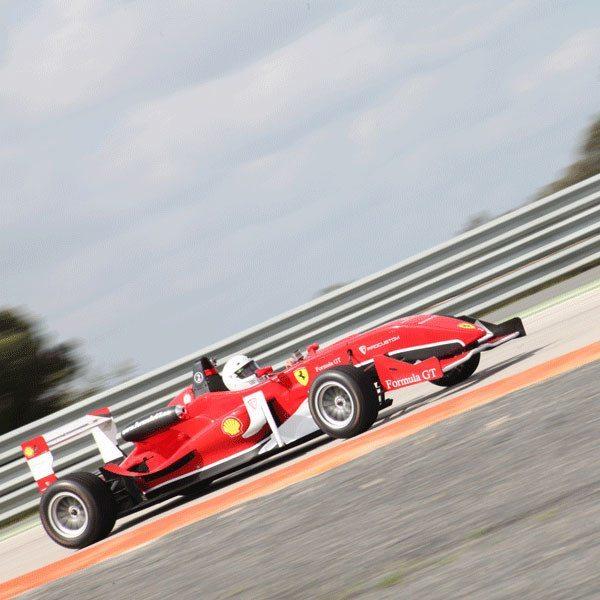 Conduce un Fórmula 3 réplica Ferrari en Los Arcos - Navarra
