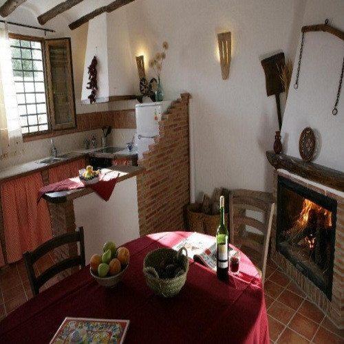 Escapada en casa Cueva con ruta y visita guiada - Granada