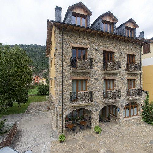 Escapada en Hotel*** con Paseo a Caballo - Huesca