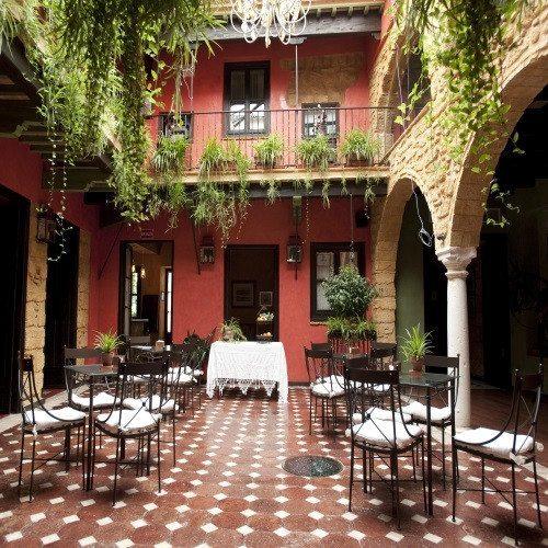 Escapada Romántica con Cena especial - Sevilla