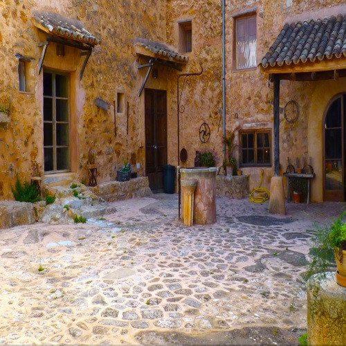 Escapada Romántica en Hotel con Encanto - Mallorca
