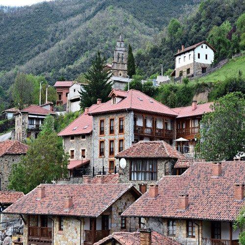 Escapada rural con cena y visita a bodega y quesería - Cantabria