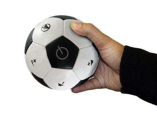 Fernbedienung in Fußballform