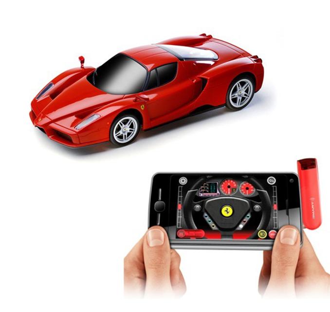 Ferngesteuerter Ferrari Enzo fürs iPhone