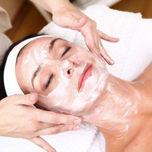 Hiegiene facial con tratamiento intensivo personalizado - Barcelona
