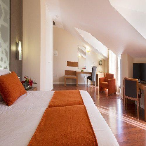 Hotel**** con circuito árabe, masaje y kit romántico - Granada