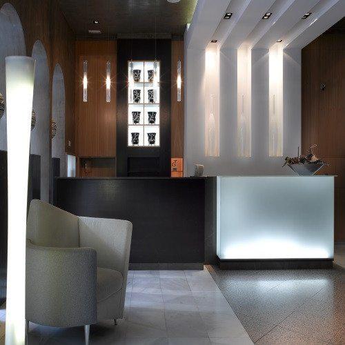 Hotel**** con circuito spa, masaje y cóctel de cava - Granada