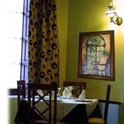 Noche de hotel con cena y desayuno para dos - Granada
