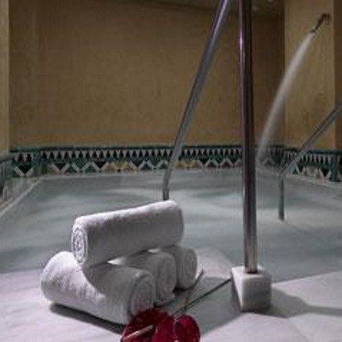 Noche en Hotel**** con baños árabes, masaje y té - Granada