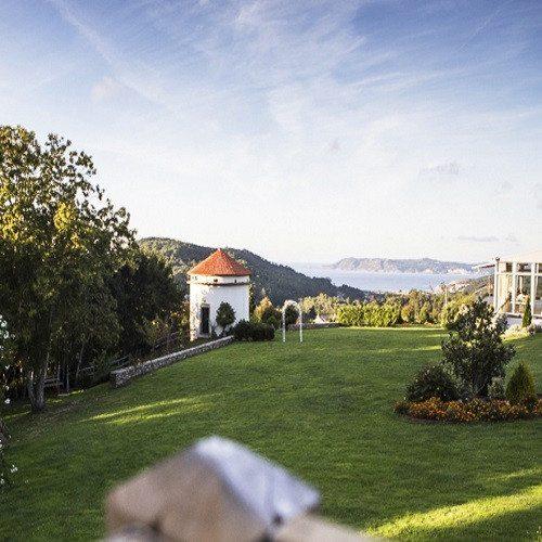 Noche en Hotel Rural con Picnic y Senderismo - Coruña