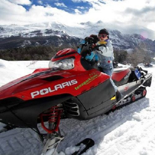 Noche en Iglú y excursión en moto de nieve - Huesca