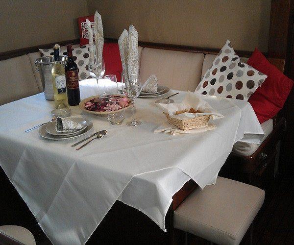 Paseo en Velero al atardecer con cena romántica para dos - Málaga