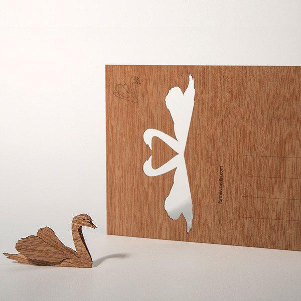 Romantische Grußkarte aus Holz - Schwanenpaar