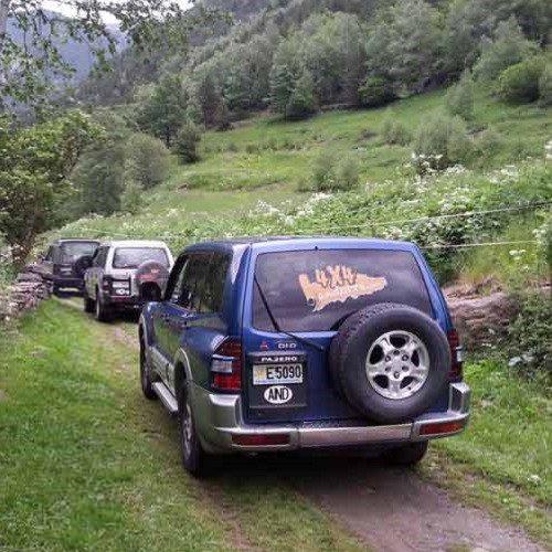 Ruta de alta montaña en 4x4 y Mushing de verano - Andorra