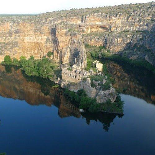 Senderismo en grupo por el Parque Natural de Hoces - Segovia