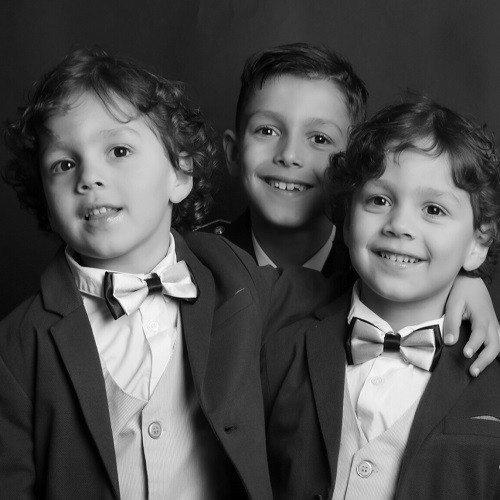 Sesión fotográfica en estudio para familia - Oviedo