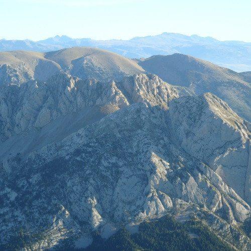 Vuelo entre las montañas del Pirineo Aragonés