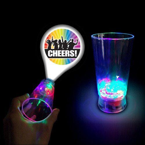 Cheers – ¡Vasos de cubata para fiestas con luces LED!