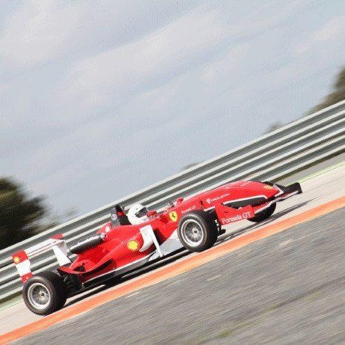 Conduce un Formula 2.0 en Brunete - Madrid