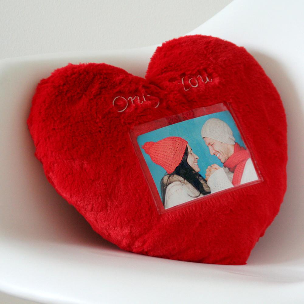 Cojín de corazones con marco de fotos