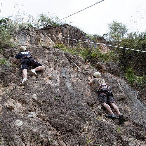 Multiaventura y escalada en parque natural - Mallorca