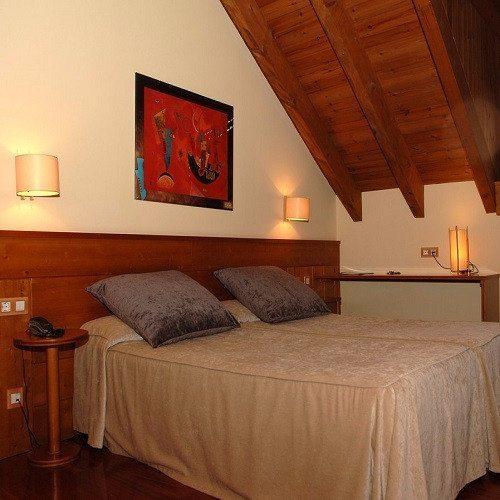 Noche de Hotel con Aventura para 2 - Lleida