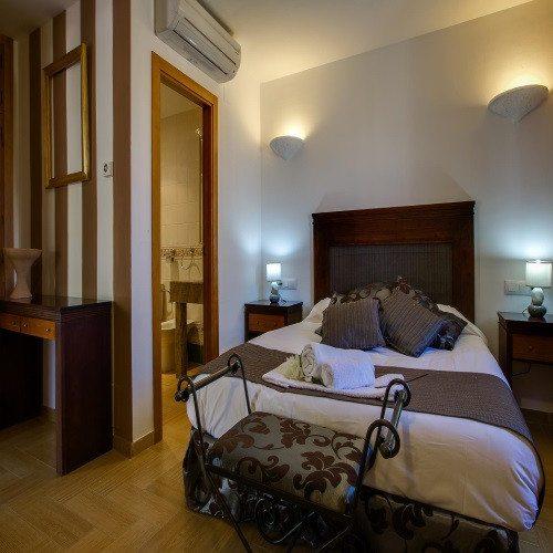 Noche en Hotel Rural con detalle de bienvenida - Jaén