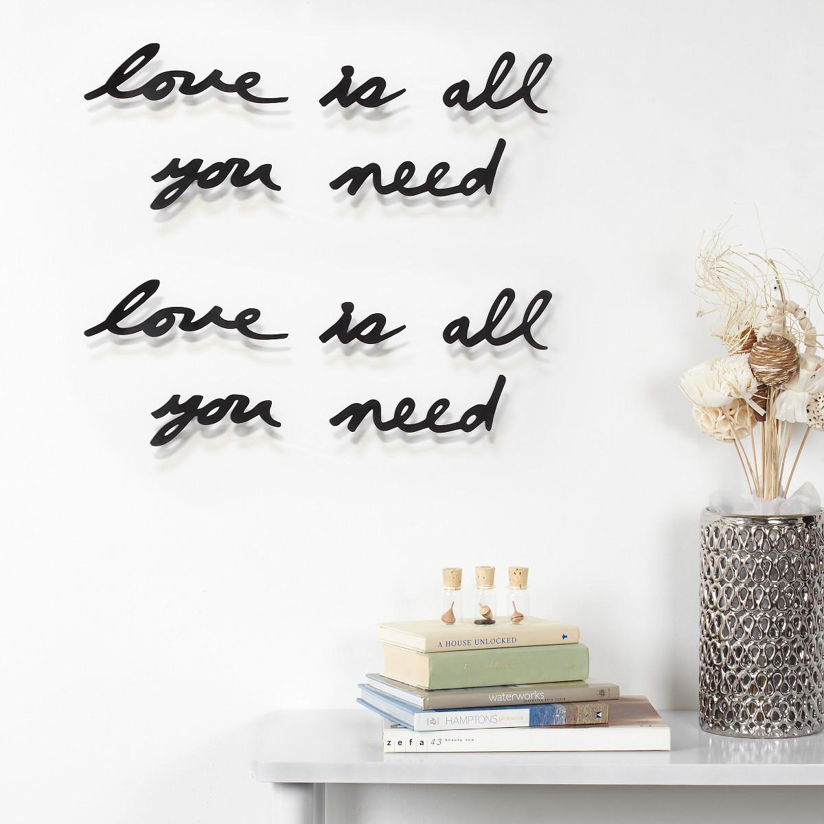 "Inscripción Mural ""Love"""