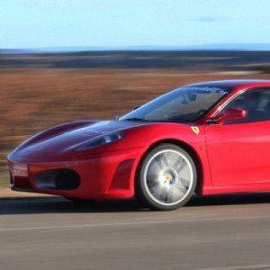 Ferrari o Lamborghini + Noche de Hotel - Huelva