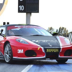 Conduce un Ferrari desde 99,00 € en Cheste - Valencia