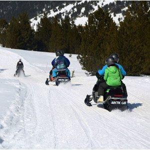 Conduce una moto de nieve en Andorra
