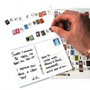 Envía tus mensajes anónimos con la Postal Blackmail