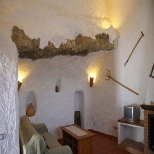 Escapada en casa Cueva con ruta y cena - Granada