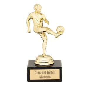 Estatua de fútbol con grabado – para futboleros