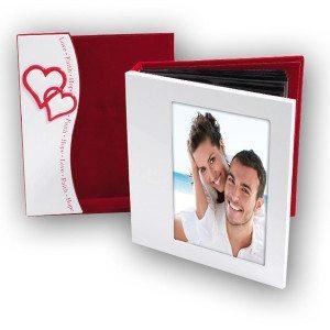 Álbum de fotos con marco para parejas muy enamoradas