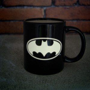 Im Dunkeln leuchtende Batman-Tasse