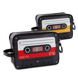 Neceser retro 'Casete'- Lleva los 90 siempre contigo