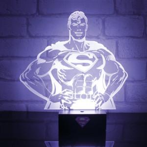 Lámpara con forma de Superman - Siempre vigilante