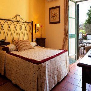 Noche en Hotel*** con cena y  vino - Cádiz