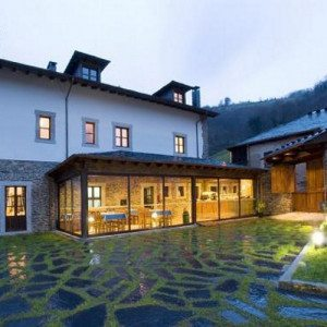 Noche en Hotel rural con cena casera - Asturias