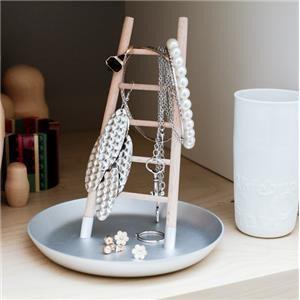 Joyero escalera – perfecto para ordenar tus joyas
