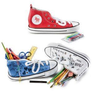 Estuche con forma de zapatilla para pintar