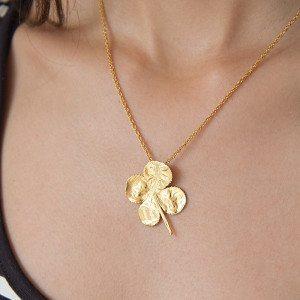 Vergoldetes Kleeblatt mit Kette