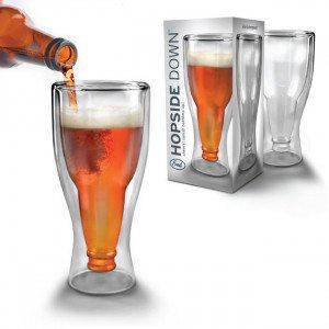 Vaso de cerveza del revés