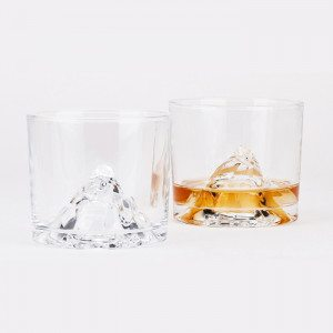 "Whiskey ""on the Rocks"" - el vaso para whiskey más solicitado"